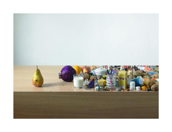 GABRIELE JARDINI, Pera sospesa, 2011, inkjet su carta cotone, 150x195cm